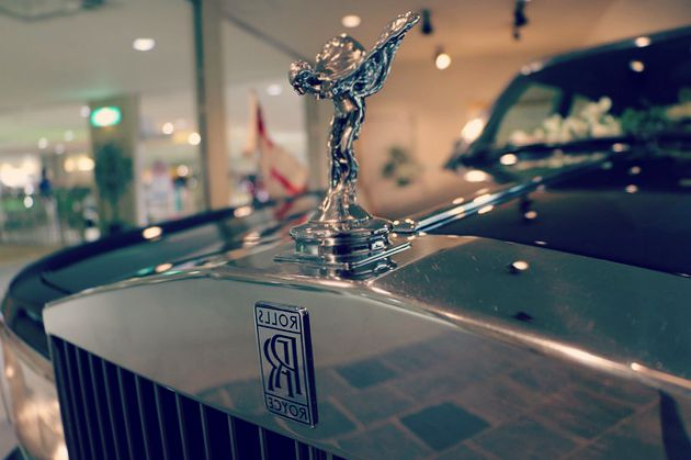 car-rent-luxury-vehicle